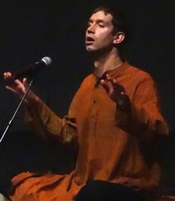 payton singing dhrupad